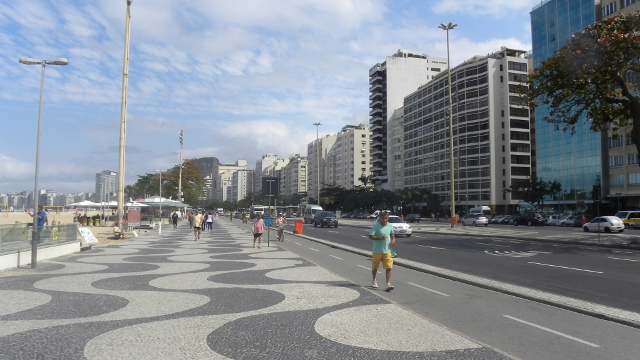 rio-de-janeiro-copacabana-tbm-14_08_2013-008-640x360